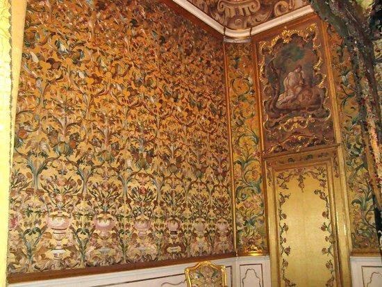 Museo Nazionale di Palazzo Mansi: tapestry in Palazzo Mansi
