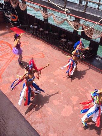Ocean Adventures Stingray Bay Caribbean Festival : Dancers on the pirate ship