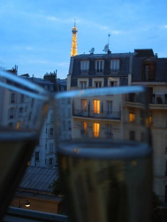 Hotel Le Walt : Eiffel view from 502