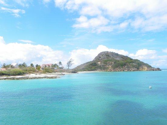 Isla de Caja de Muertos: The water colors are amazing!