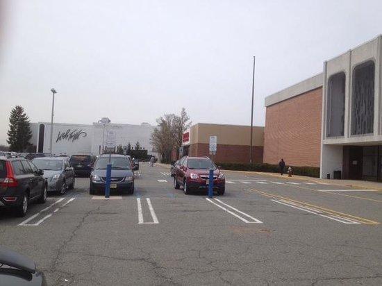 Outside Livingston Mall