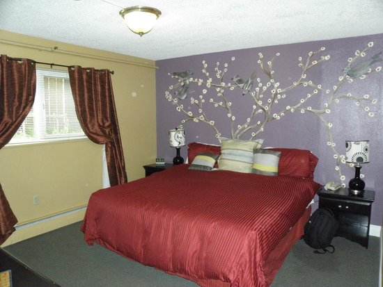Anchorage Downtown Hotel: room