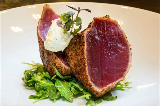 Oliver's Prime Steakhouse: Ahi Tuna