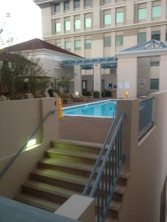 The Westin Pasadena: Swimming Pool on Fourth Floor
