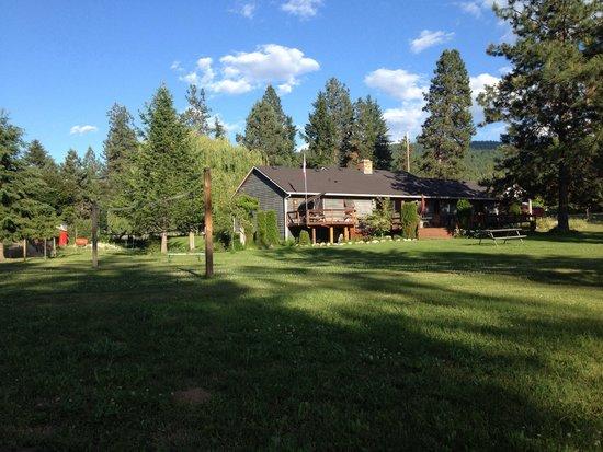 "Canyon Farms RV Park: The owner's ""farmhouse"""