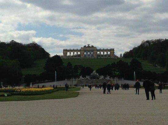 Schloss Schönbrunn: Ruinas Romanas en los Jardines del Palacio
