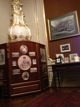Schloss Schönbrunn: Habitación de Palacio y fotos de Sisi la Emperatriz