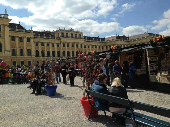Schloss Schönbrunn: Feria en pascuas dentro del jardín de entrada