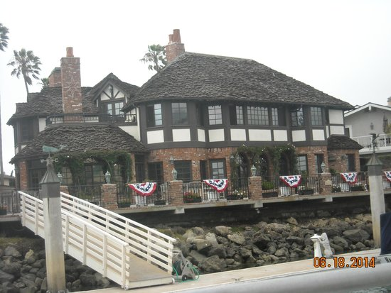 Island Packers: A beautiful house along the harbor