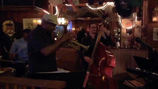 Yardarm Bar & Grill: Live Music