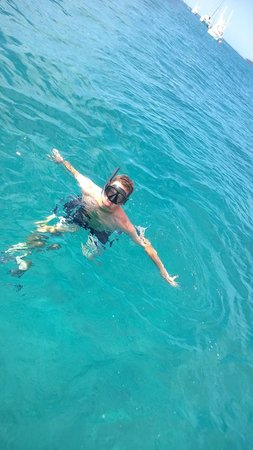 Lubbers' Landing: Snorkeling at Sandy Cay