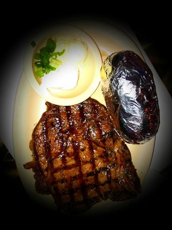 Daisy Mae's Steak House: Rib eye to die for