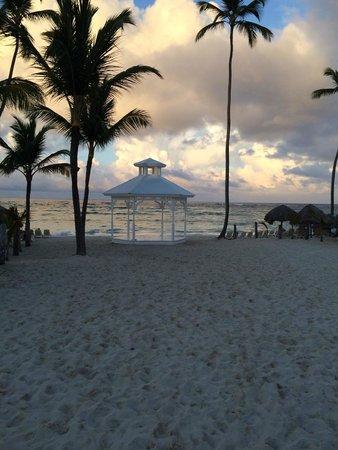 Majestic Colonial Punta Cana : Beach gazebo
