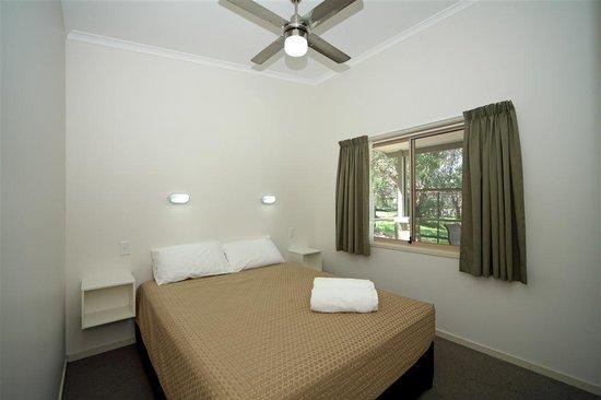 Currarong Beachside Holiday Park : River Retreat main Bedroom