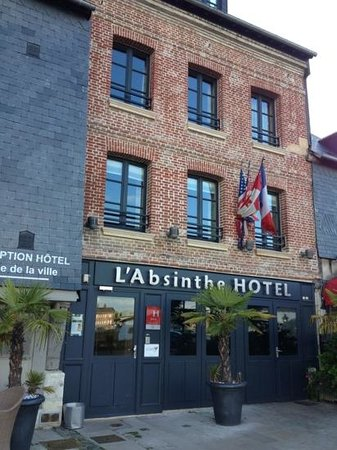 L'Absinthe Hotel : worth trying to find the actual entrance