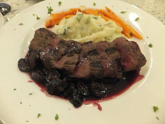 Artemis Mediterranean Grill: Venison with fresh cranberry sauce