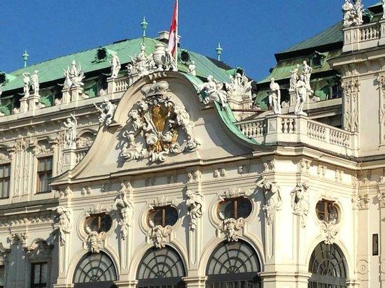Schloss Belvedere: techos decorados con esculturas