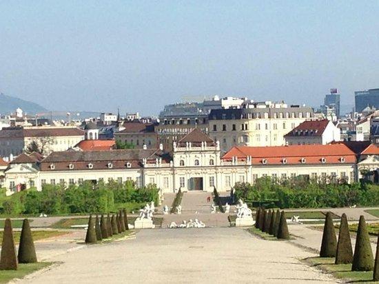 Schloss Belvedere: al fondo la otra parte del Palacio