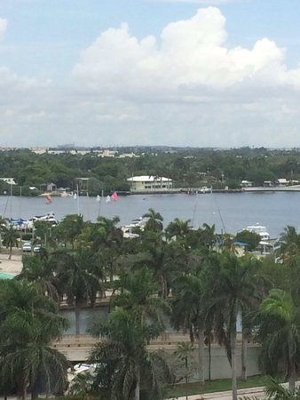 Historic Hollywood Beach Resort : Intercostal Waterway view from Penthouse 5