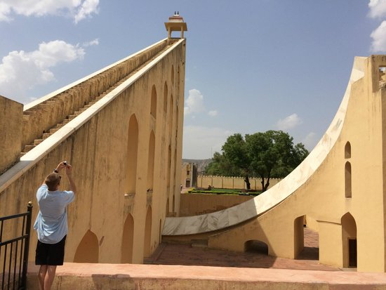 Indian Impression Same Day Tour : Jantar Mantar--What Time is it? And what's your Zodiac sign?