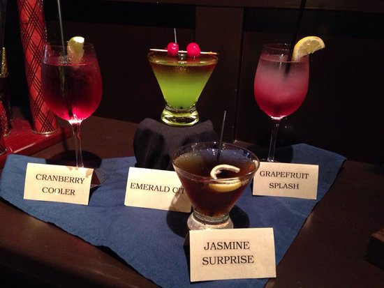 Doubletree by Hilton Hotel Annapolis: Drink specials were outstanding!