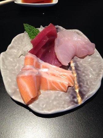 Midori: yummy sashimi