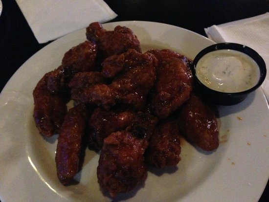 bbq chicken wings in the Playmaker's Lounge, Canad Inns Portage la Prairie  |  2401 Saskatchewan