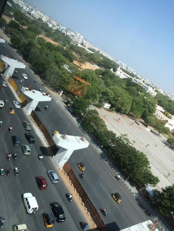 Vivanta by Taj Begumpet : Road View from 8th Floor