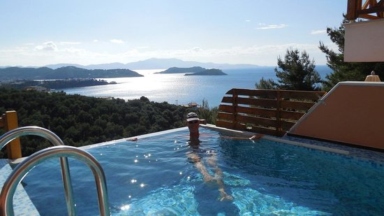 Skiathos Gea Villas: Me in the pool