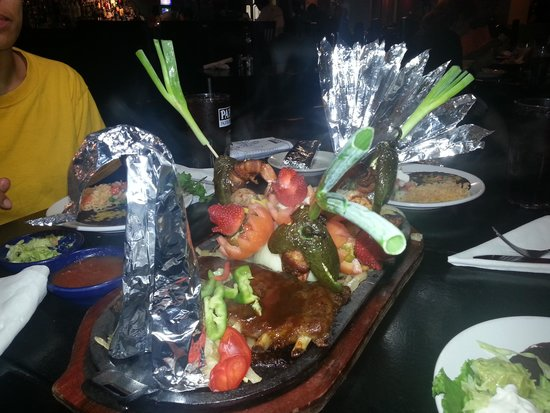 fajitas for three with amazing presentation picture of papi s
