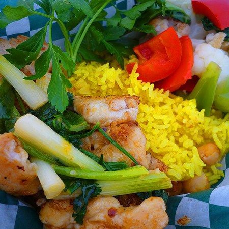 The Burger Shed : Spicy chicken on yellow rice