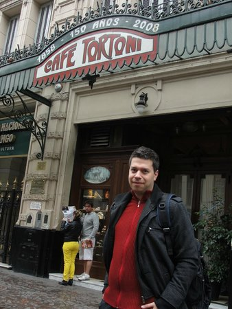 Gran Hotel Argentino: O hotel fica a 2 quadras do Café Tortone