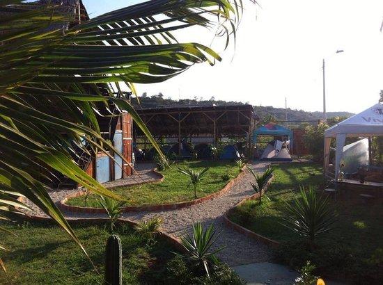 Guacamayo Hospedaje Resto Bar: El jardín!