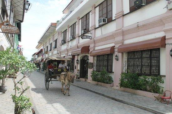 Cordillera Inn: view along Calle Crisologo