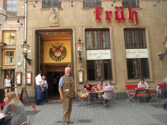 Früh am Dom: Знаменитая пивная