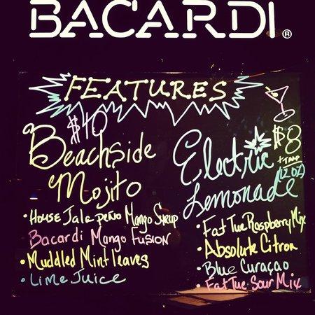 Beachside Bar & Grill: Beachside Bar | Daily Features