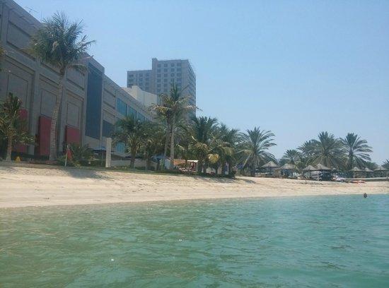 Beach Rotana : Beach Club