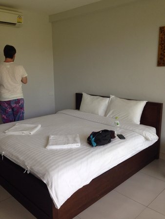 The Nidhra Boutique Resort: Comfy bed