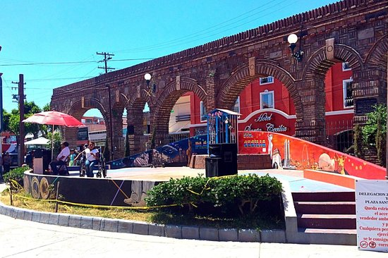 Avenida Revolucion : Local performance stage on Revolucion Ave.