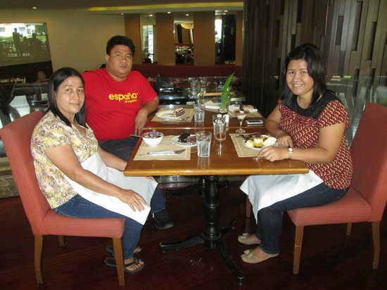 Cafe Marco Davao : with my family