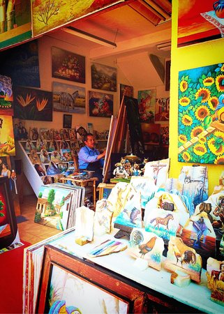 Mercado Artesanias: Artist Market