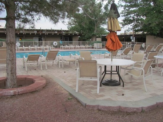 Kayenta Monument Valley Inn: swimming pool area