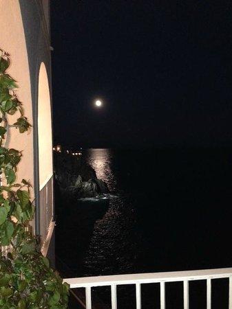 Hotel Marina Riviera: View from balcony off reception desk at night