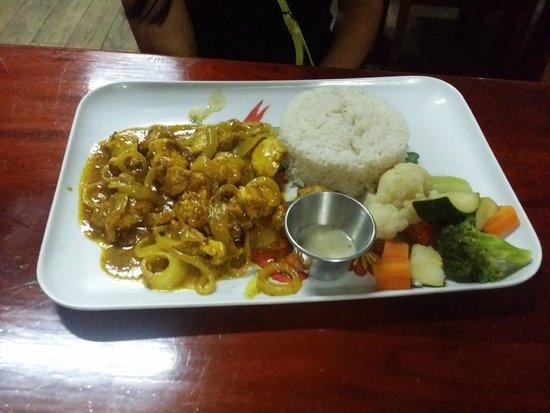 Ko-Ox Han nah: shrimp curry