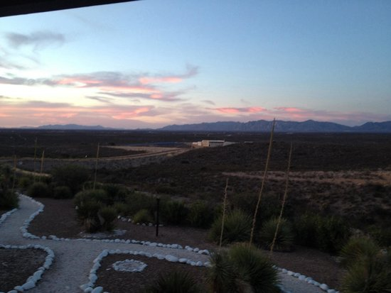 Landmark Lookout Lodge: The view from 212, as the sun goes down