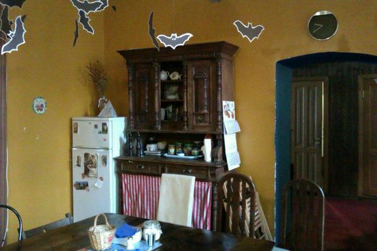 Hello Hostel: Антиквариат на кухне