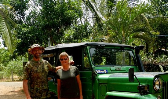 Lak Nilla Guest House : ready for the jeep safari