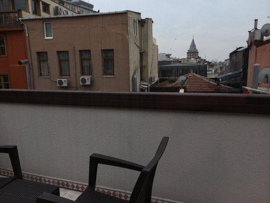 Collage Pera Hotel : вид с нашего балкона