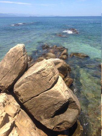 Mamutik Island: Water