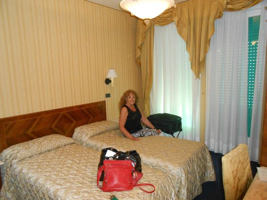 Hotel Carlton Capri: habitaciòn